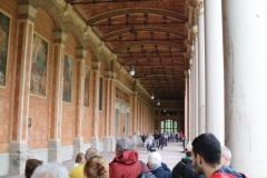 Suggestivo colonnato corinzio della Trinkhalle